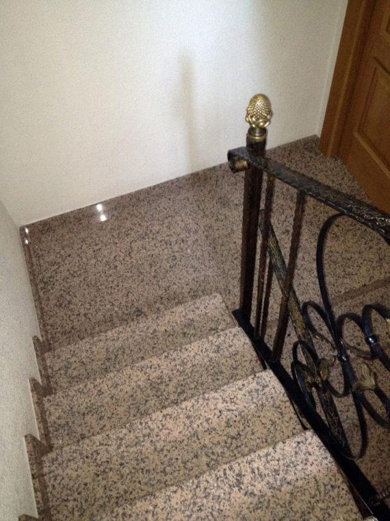 Escalera Granito Rosa Porriño